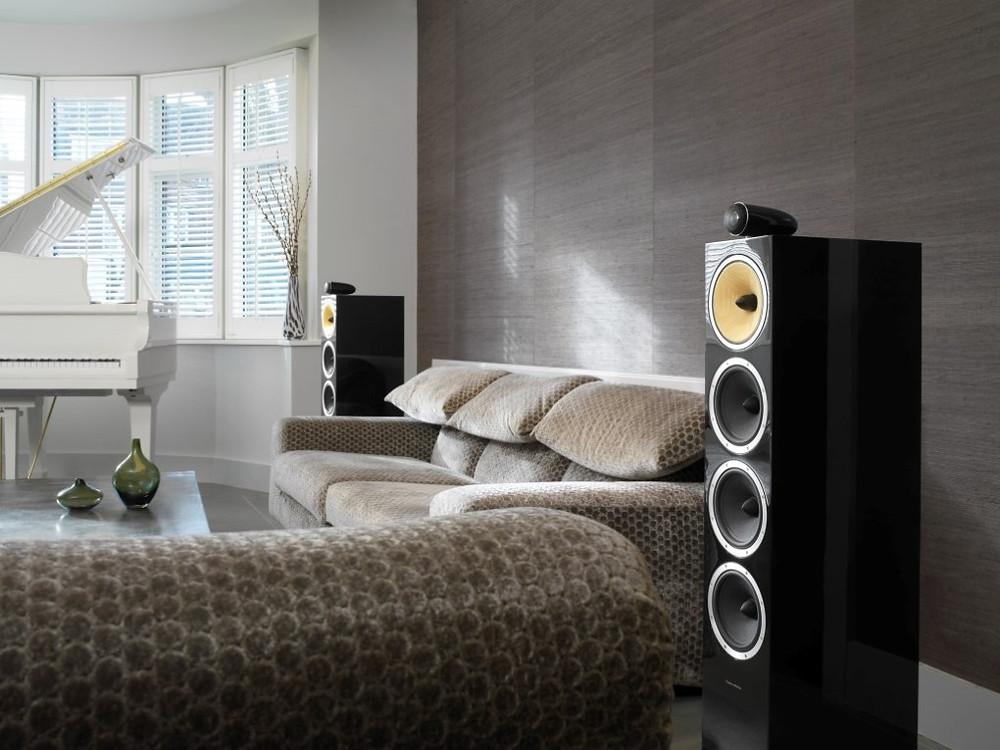 BowersandWilkins_CM10_Gloss_Black_Livingroom (Medium)