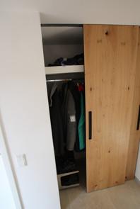 Garderobe mit Schiebetüren