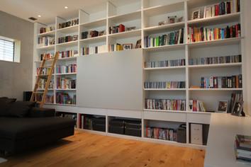 Bücherwand Weißlack