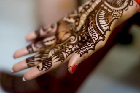 Candid Wedding, Couple Portraits, Hindu Wedding,  mehandi