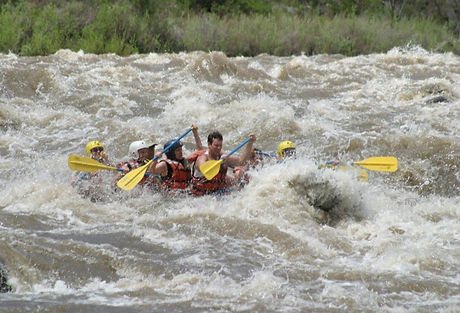 Whitewater_Rafting_May_2005_013-1043x709