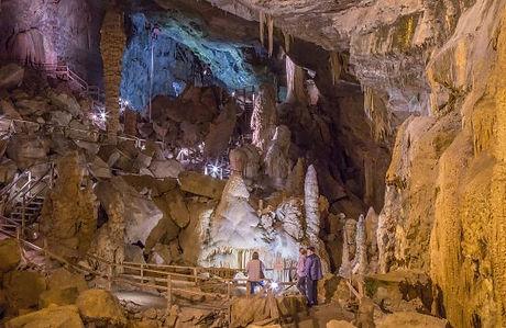lost-world-caverns.jpg
