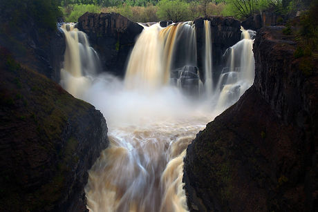 High-Falls-of-the-Pigeon-River-Grand-Por