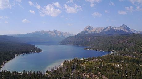 Redfish_Lake,_Sawtooth_Range,_Idaho.jpg