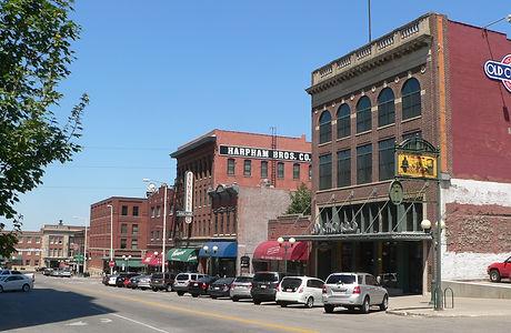 Lincoln,_Nebraska_Haymarket_P_St_from_9t