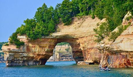 Michigan_Pictured-Rocks-National-Lakesho