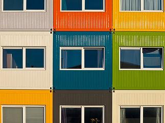 Красочный фасад