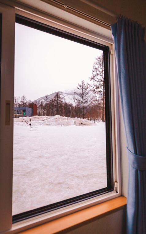 各アパートメントからの山の景色は異なります。