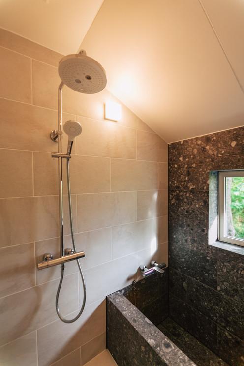 バスルーム1-メインハウス