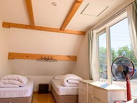 Trailside Chalet bedroom.jpg