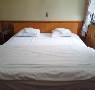Large king bed Niseko Hirafu lodge
