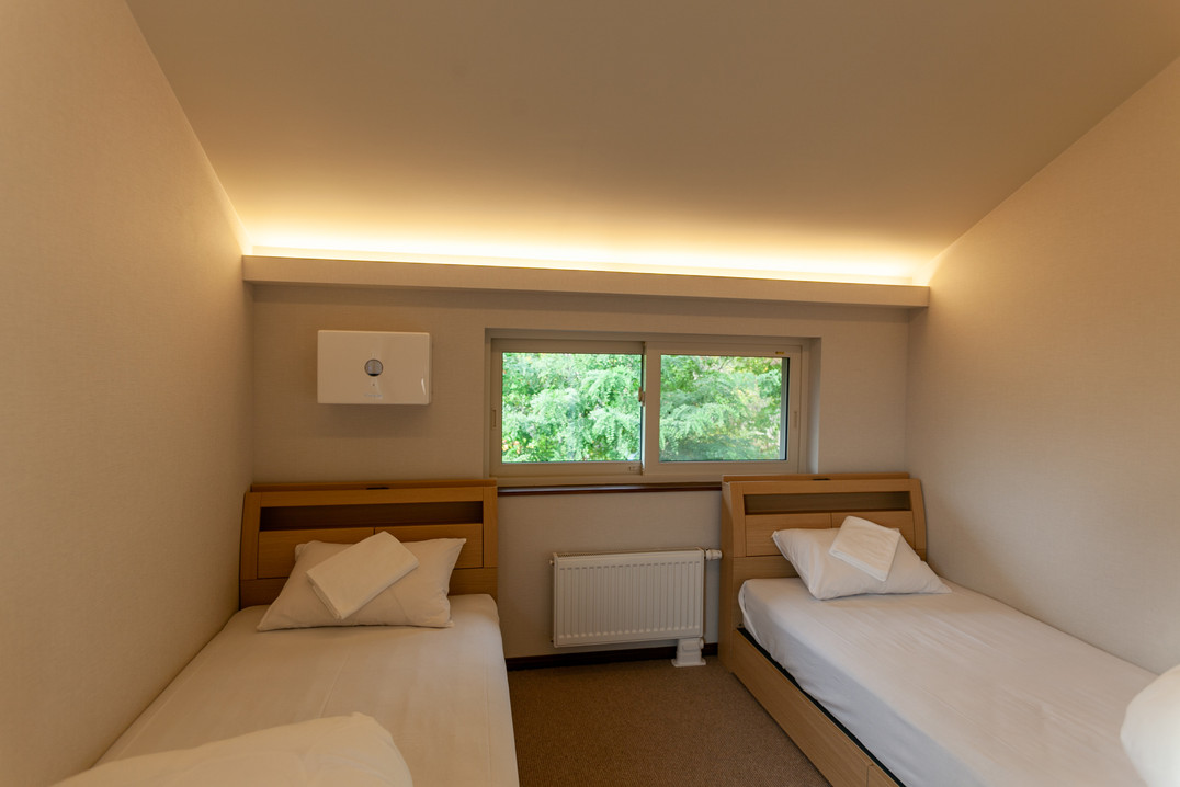 Guest room with heating and air conditioning