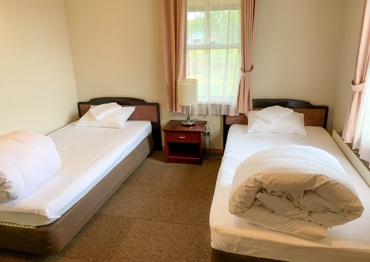 2 Twin beds or King Bed