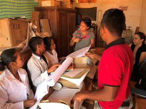 Correspondance & Don livres Ambalavao