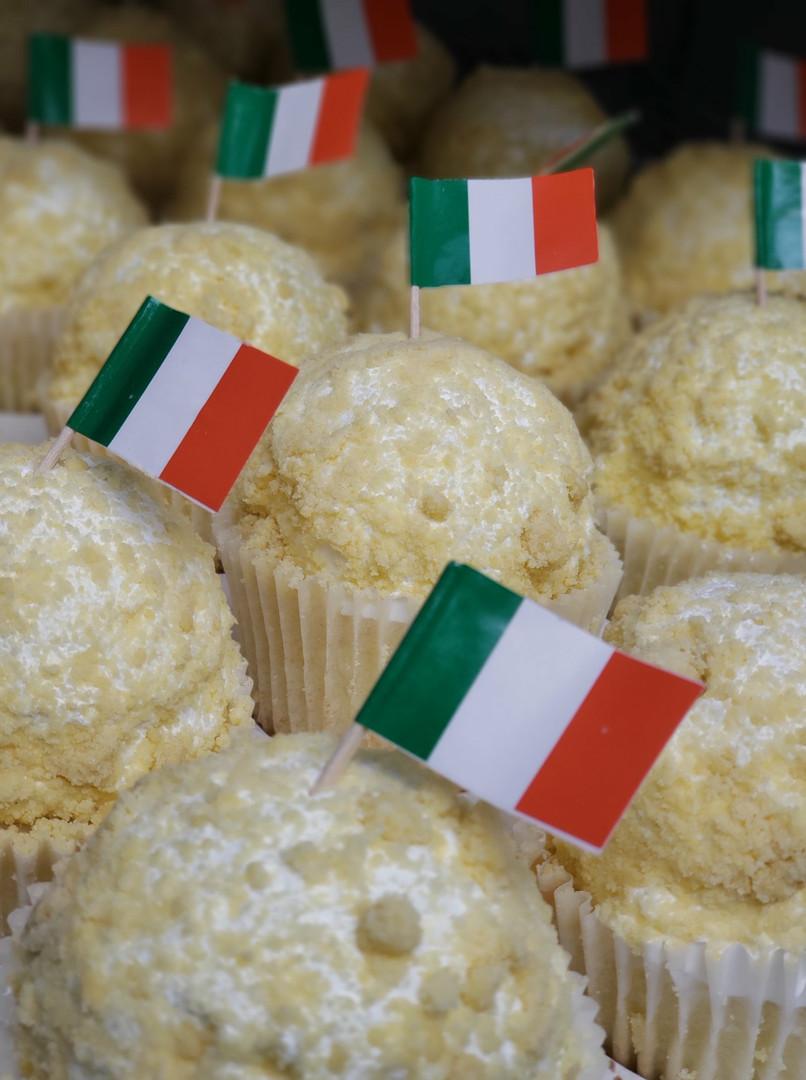 Designer Desserts Limoncello Cupcakes