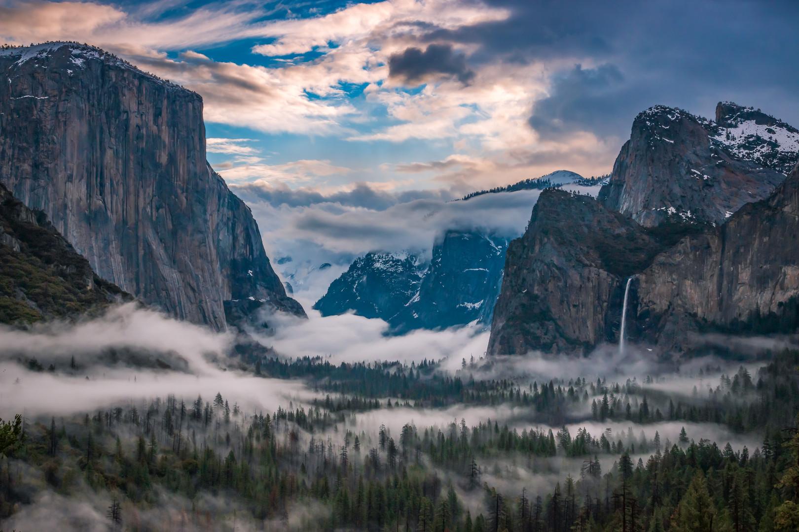 Foggy Sunrise in Yosemite