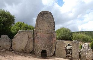 Les tombes nuraghique a seulement 15 min de notre chambre dìhotes stazzum la capretta