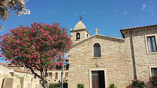 san pantaleo et son village pitoresque a seulement 15 min de chambres d'hote stazzu la capretta