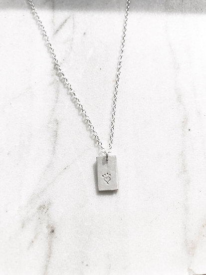 Sterling silver tiny pendant Alaqua necklace (A)