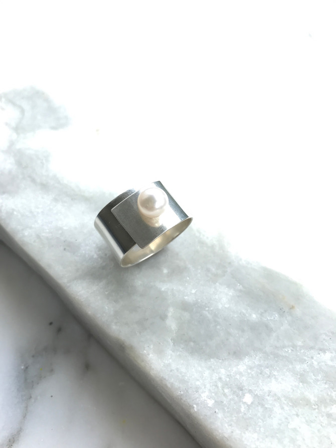 """Pearls get a modern reboot in mynew favorite -the pearl """"quest"""" ring... (best of all, it"""
