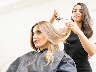 Woman's hair colour and cuts