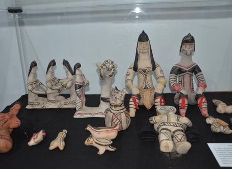 Bonecas Karajá