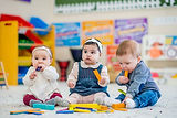 babies-playing-with-blocks-864x576.jpg