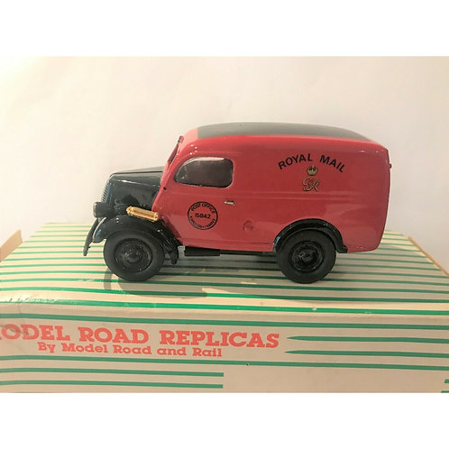 MODEL ROAD REPLICAS - FORD E83W VAN - ROYAL MAIL - BOXED