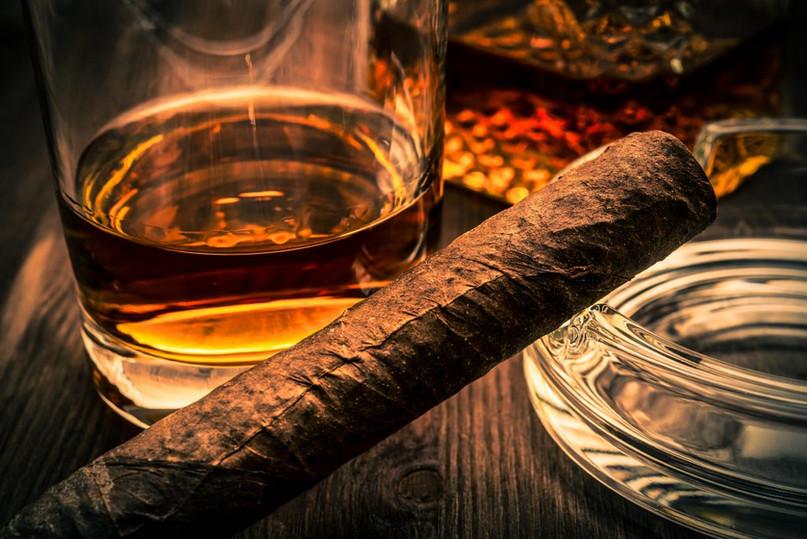 Cigar Bar Sahl Hasheesh