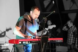 dave-on-keyboard