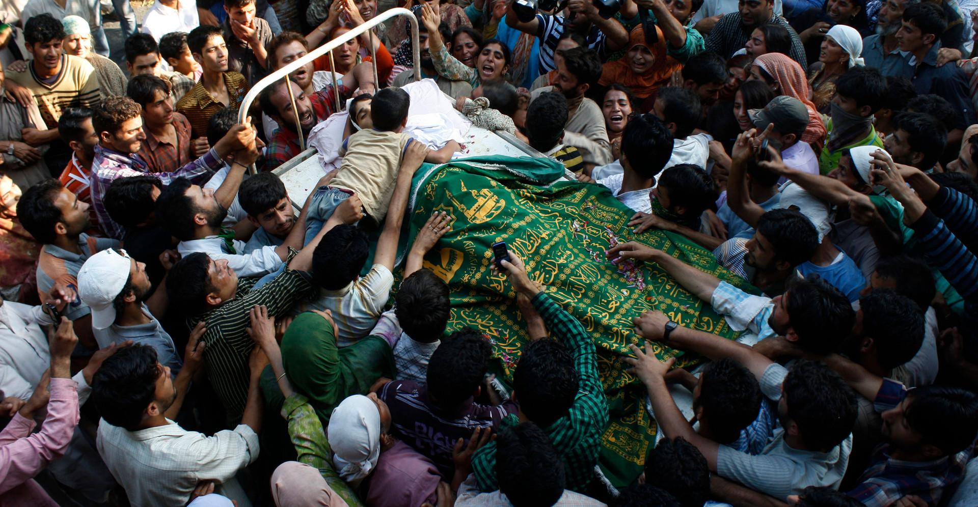 Mourning - Kashmir