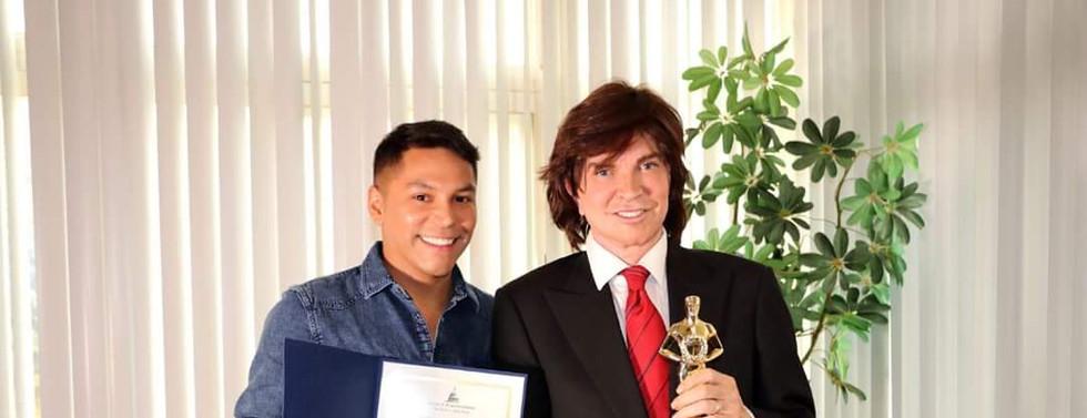 Entrega de premios y entrevista