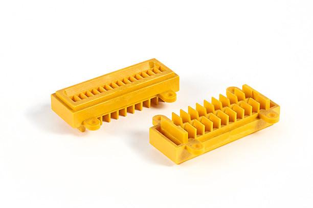 L.C.PLASTICS Pièces techniques