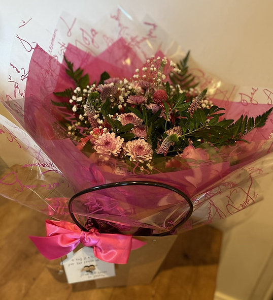 Bouquets with personalised plaque