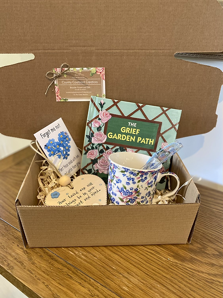 Our medium Forget-me-not comfort box