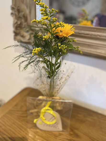 Sunflower vase and plaque
