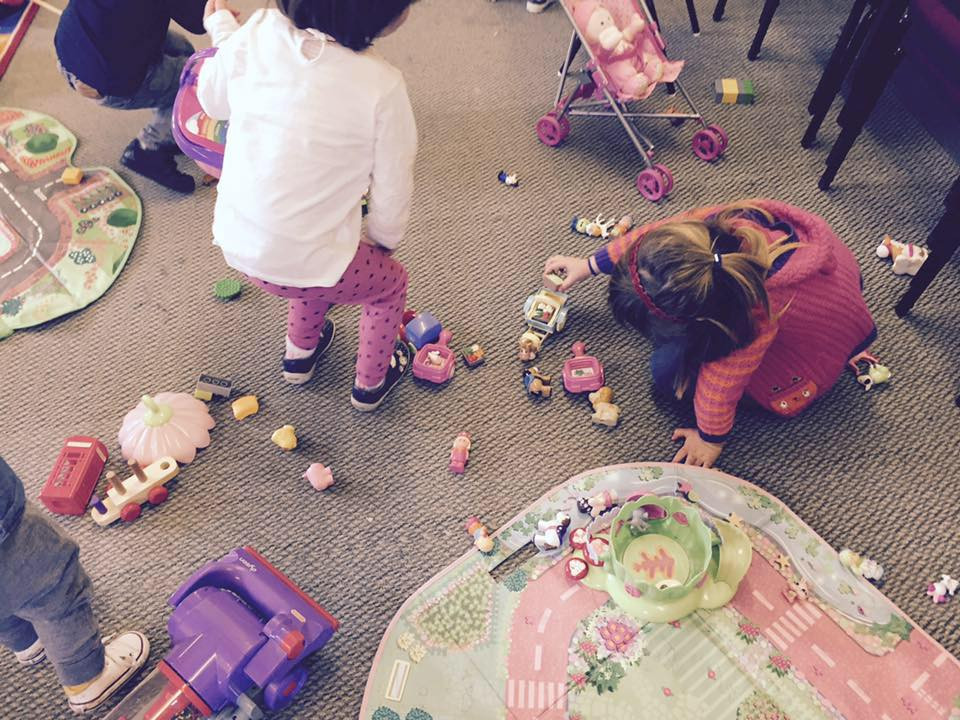 Children playing at Goldilocks Playgroup