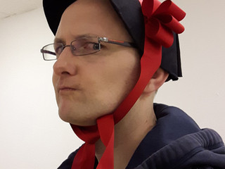 Make a Guys & Dolls-themed Easter bonnet