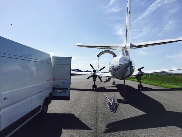 flugzeug-transporter-charter