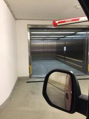 aufzug-parkhaus-wien.JPG
