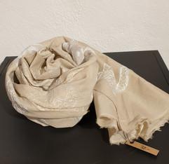 32-foulard beige mit stickerei.jpg