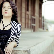 Nadja Acquaroli - Sängerin