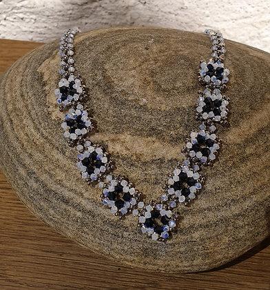 Halskette aus Swarovski-Perlen
