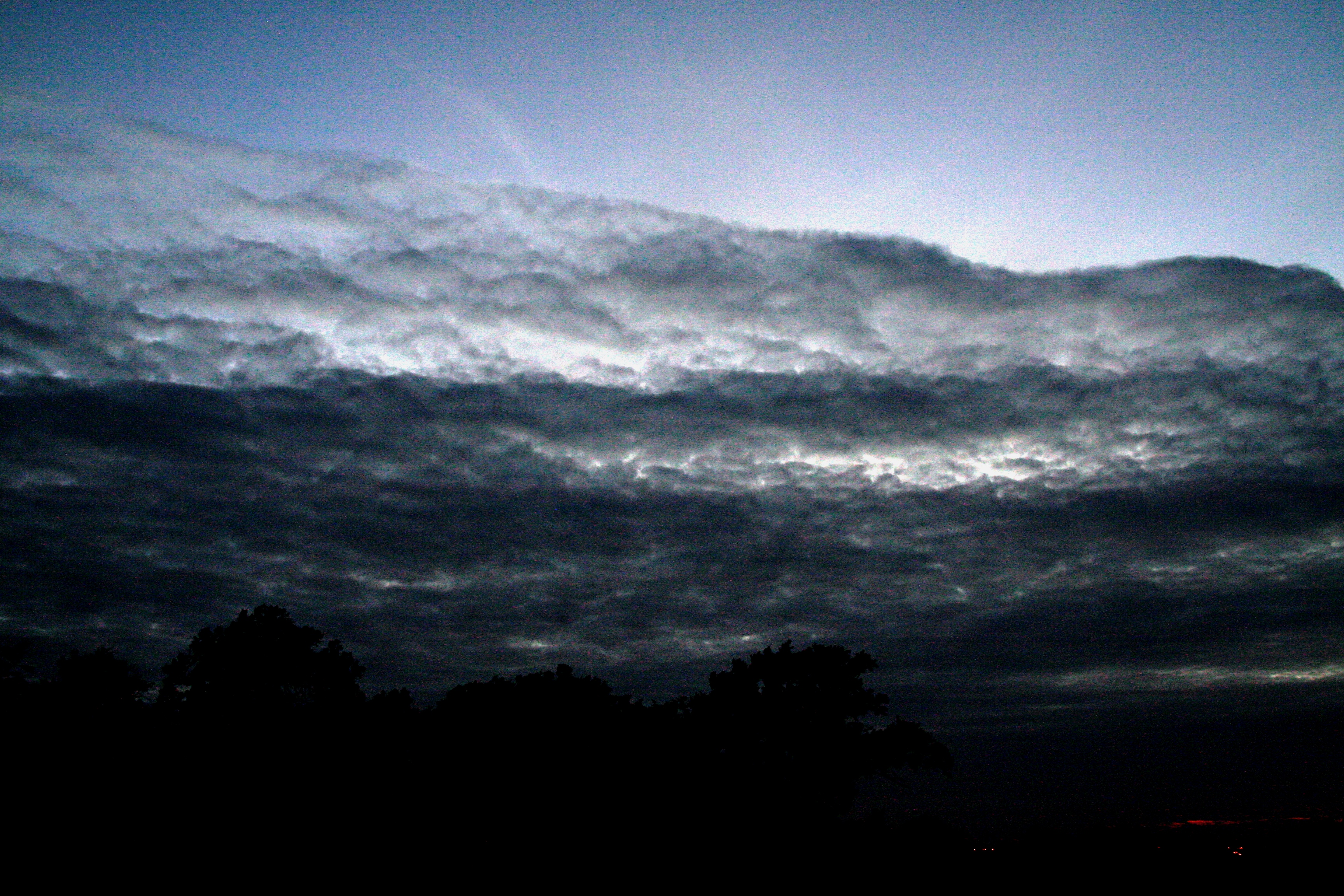 nuages nocturnes