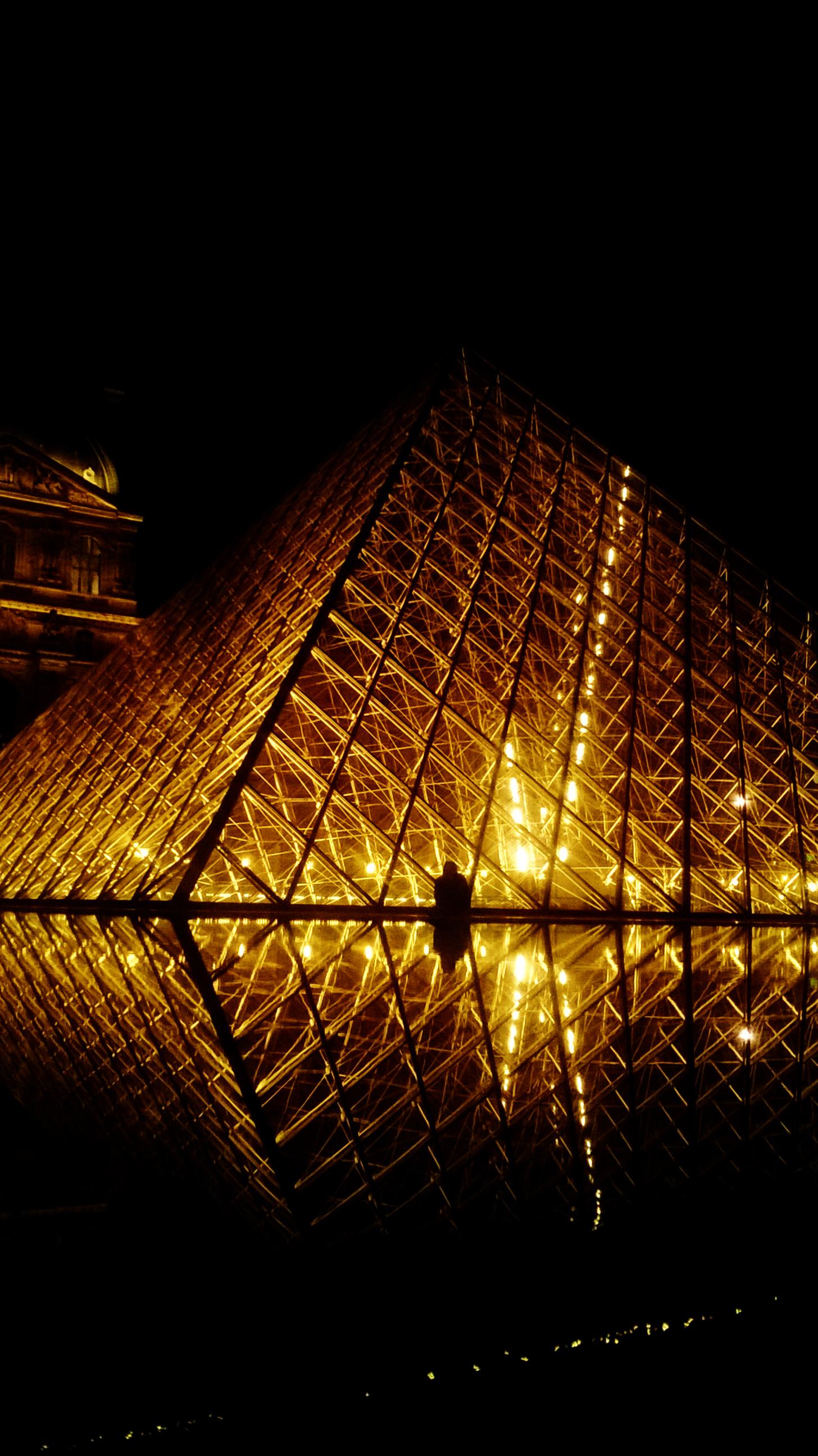 Louvre nuit