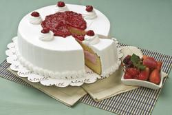 Torta de helado de frutos rojos