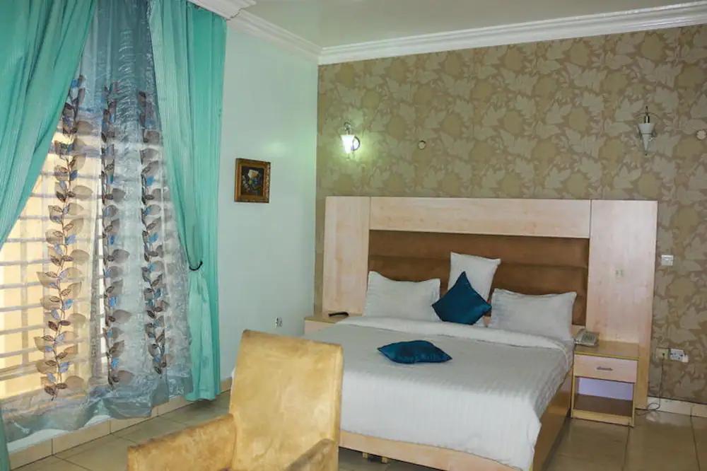 1804 room 2.webp