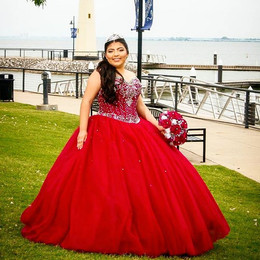 MISS 👑 QUINCE..._they are unique, each one is different, they just want to look Beautiful & Have fun...jpg