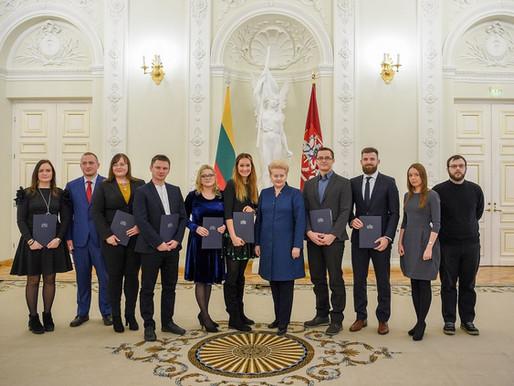 """Lietuvos jauniesiems mokslo daktarams įteikti """"Geriausios 2017 m. disertacijos"""" apdovanojimai"""