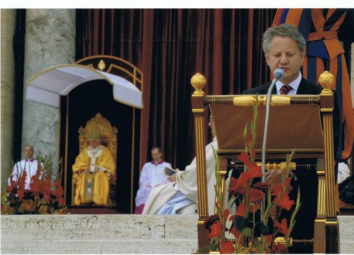 José Cunha Coutinho, barão de Nossa Senhora da Oliveira, a proferir a primeira leitura na Canonização de São Nuno de Santa Maria